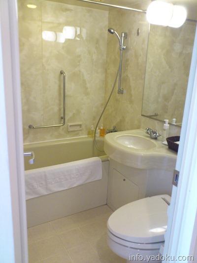 京王プラザホテルの客室のバス・トイレ