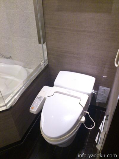 ストリングスホテル東京インターコンチネンタルの客室のトイレ