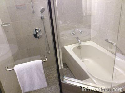 ストリングスホテル東京インターコンチネンタルのバス・シャワー