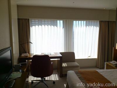 京王プラザホテルの部屋の写真
