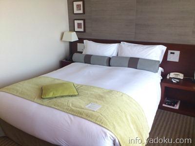 ストリングスホテル東京インターコンチネンタルの部屋のベット
